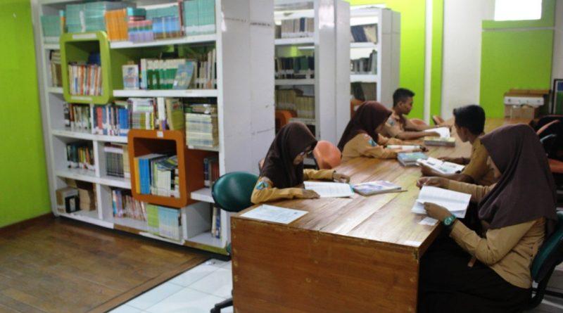 1_Perpustakaan SMK Krian 1