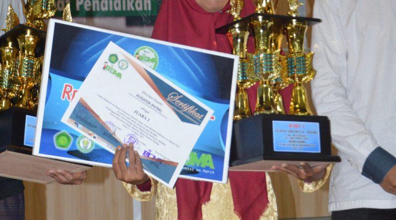 6_Al-Ligator Juara I Festival Banjari se-Jawa Bali UIN Malang