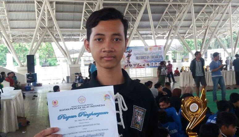 Juara III Pencak Silat (2)