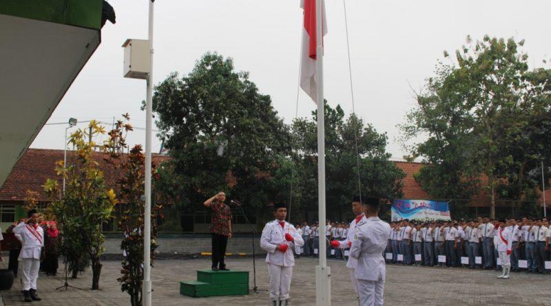 Upacara Bendera SMK Krian 1, 17 Oktober 2017