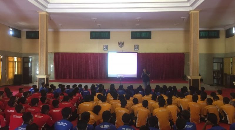 Pembekalan Soft Skill Public Speaking 2018 (3)