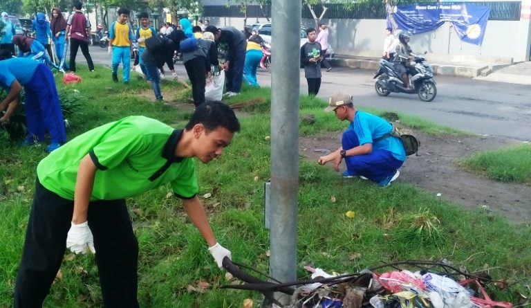HPSN 2018 - Jumat Bersih Taman Pinang (13)