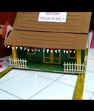 Miniatur rumah adat betawi