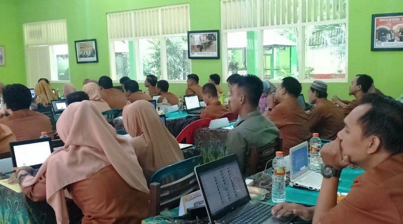 Upgrading Guru 2019-2020 Hari 2 (1)