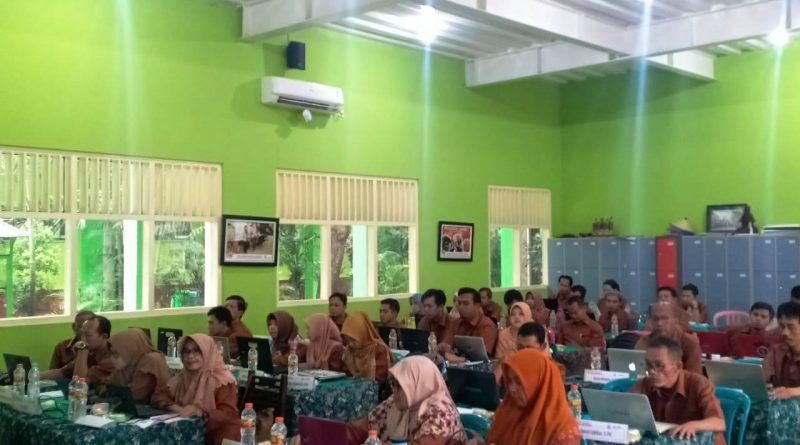 Upgrading Guru 2019-2020 Hari 2 (11)
