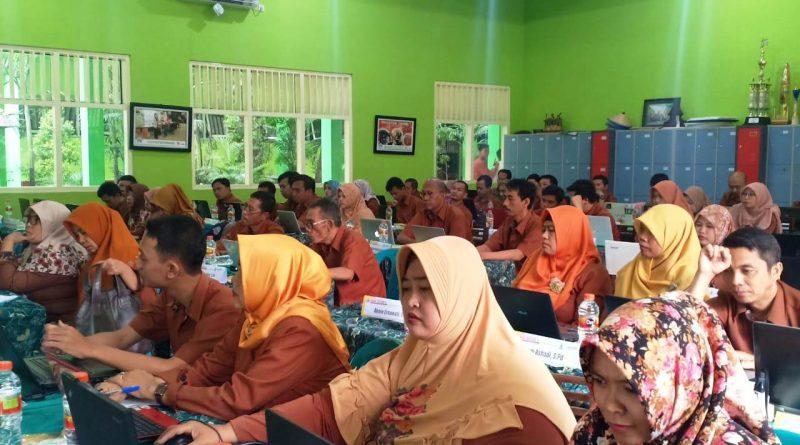 Upgrading Guru 2019-2020 Hari 2 (12)
