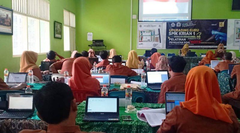Upgrading Guru 2019-2020 Hari 2 (3)