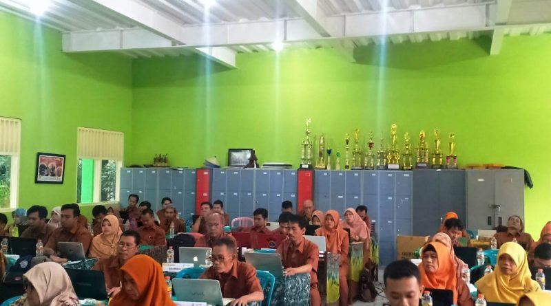Upgrading Guru 2019-2020 Hari 2 (4)