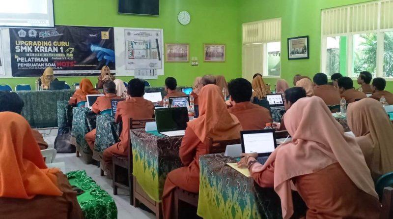 Upgrading Guru 2019-2020 Hari 2 (6)